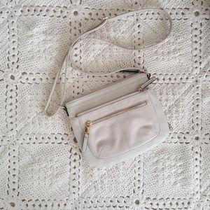 {Tignanello} Leather cream crossbody bag